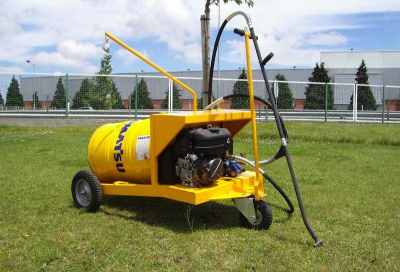 Asphalt spraying machines