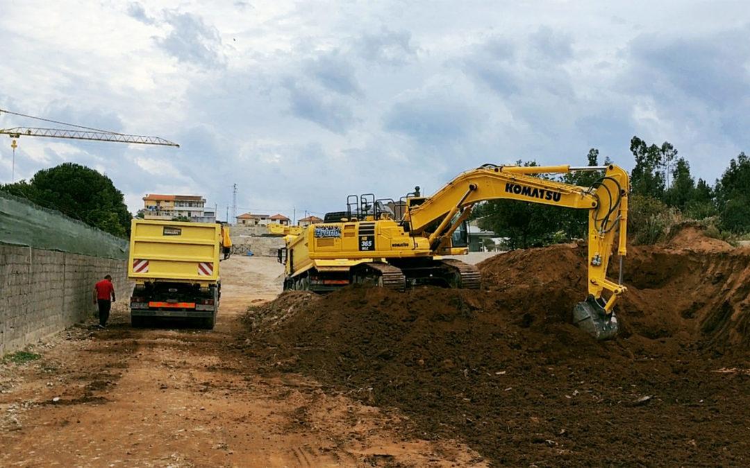 Nova Escavadora Híbrida garante redução de custos, mais fiabilidade e durabilidade